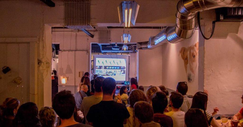 Celebración del festival Pint of Science en la pasada edición en uno de los bares de España.