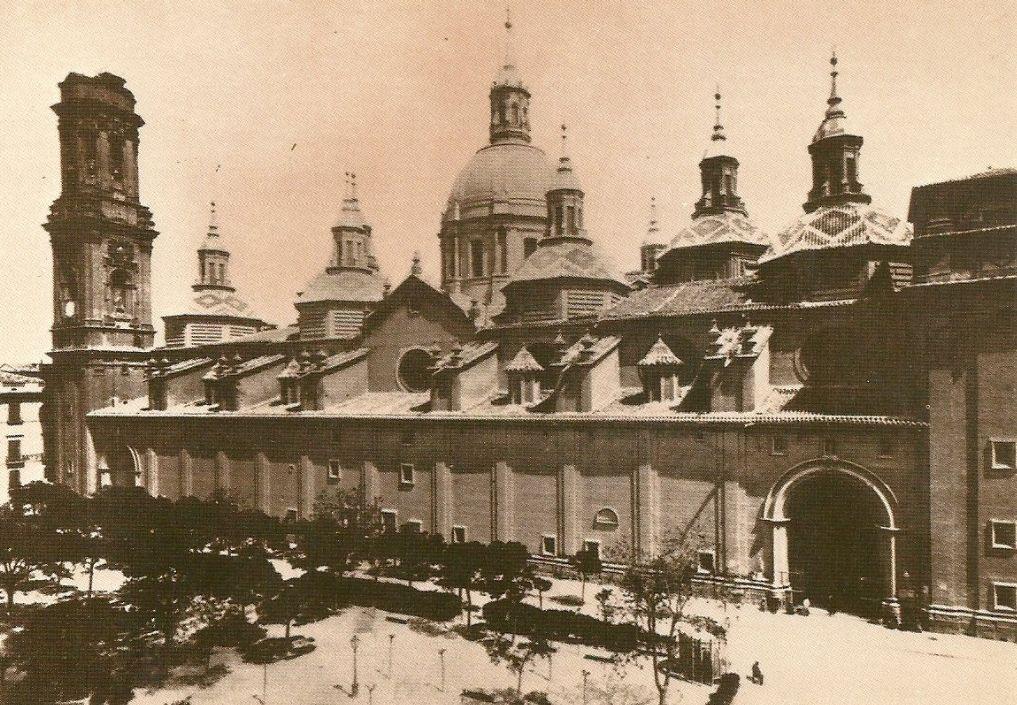 Construcción de la primera de las torres de la Basílica del Pilar de Zaragoza