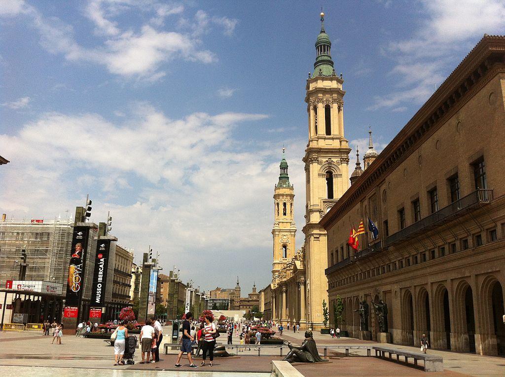 Foto de Jahidalgoaloy - La Plaza del Pilar es la plaza epatonal más grande de España