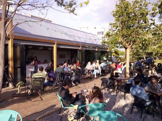 Le Pastis, terraza perfecta para disfrutar de la ribera del Ebro