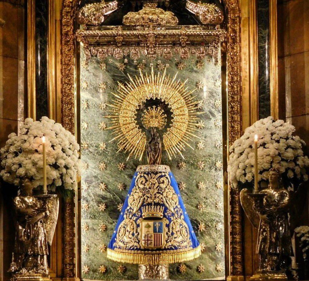Foto de Julio Vicente - Talla de la La Virgen del Pilar de Zaragoza situada en la Basílica del Pilar de Zaragoza