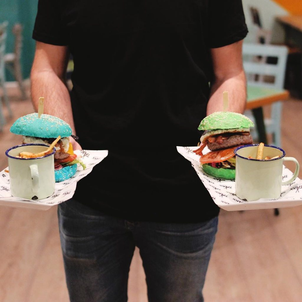 Hamburguesas en Zaragoza - takk hamburguesas de colores