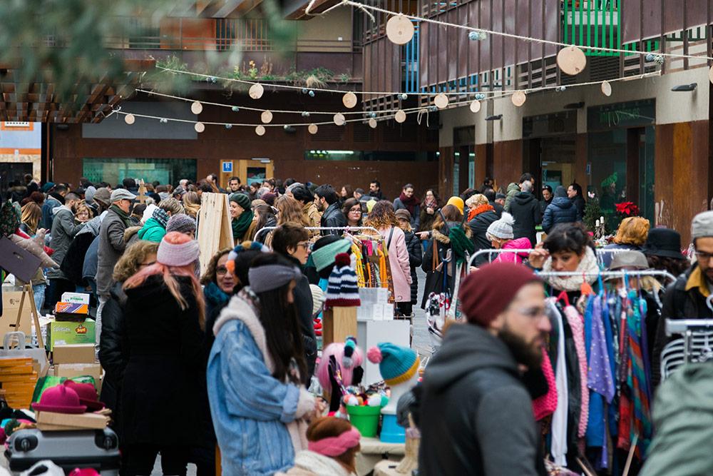 Feria de arte zaragoza que se celebra cada tercer domingo al mes