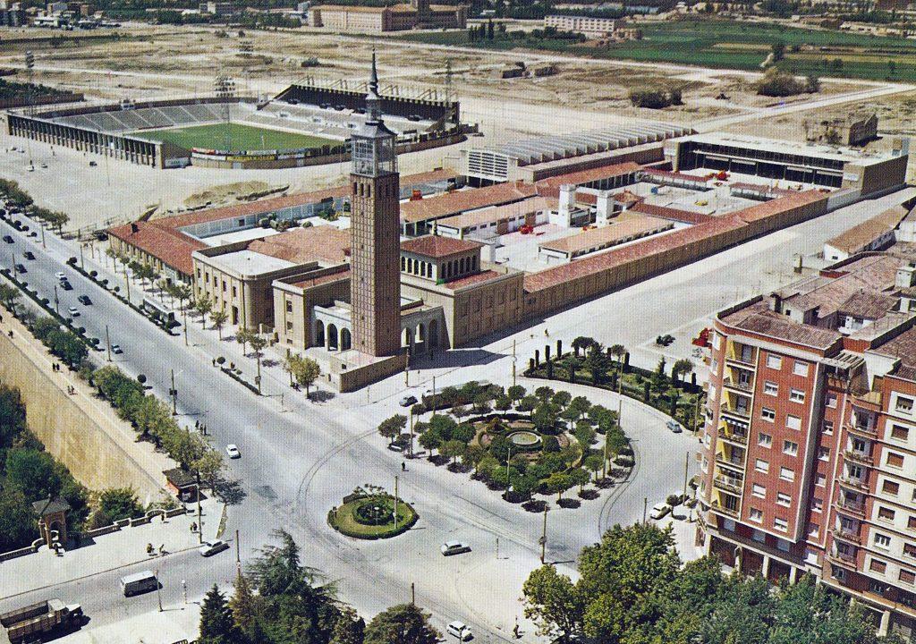 El estadio de La Romareda, situado al lado de la Feria de Muestras de Zaragoza