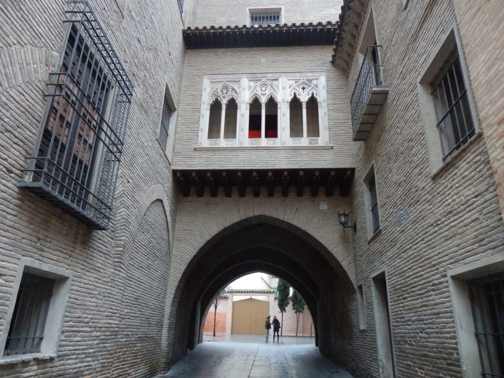 El arco del Dean, situado en el barrio de la Madalena
