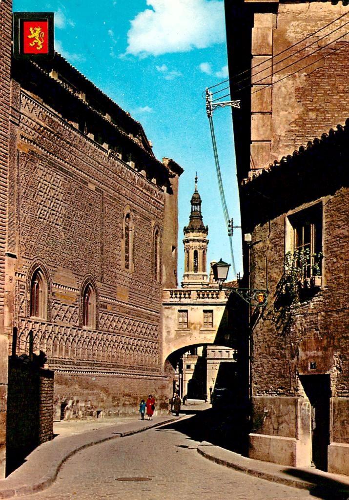 Arco del Arzobispo que unía La Seo con el Palacio Arzobispal