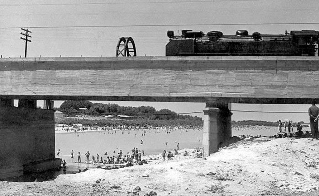 La playa de Los Ángeles en la margen derecha del Ebro, en 1967