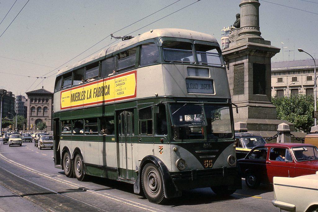 Trolebús de la línea Ciudad Jardín en 1972, un gran cambio de Zaargoza en los últimos 40 años