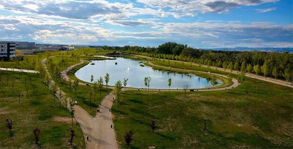 El parque de Plaza, el final de una de las rutas de bicis sin salir de Zaragoza