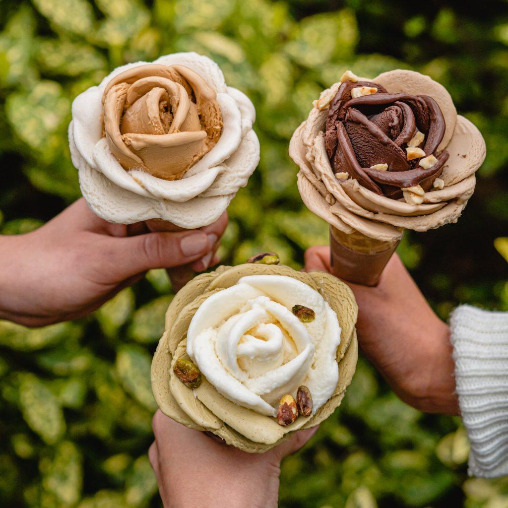 Heladería Amorino Zaragoza, helados con forma de rosa en el cucurucho