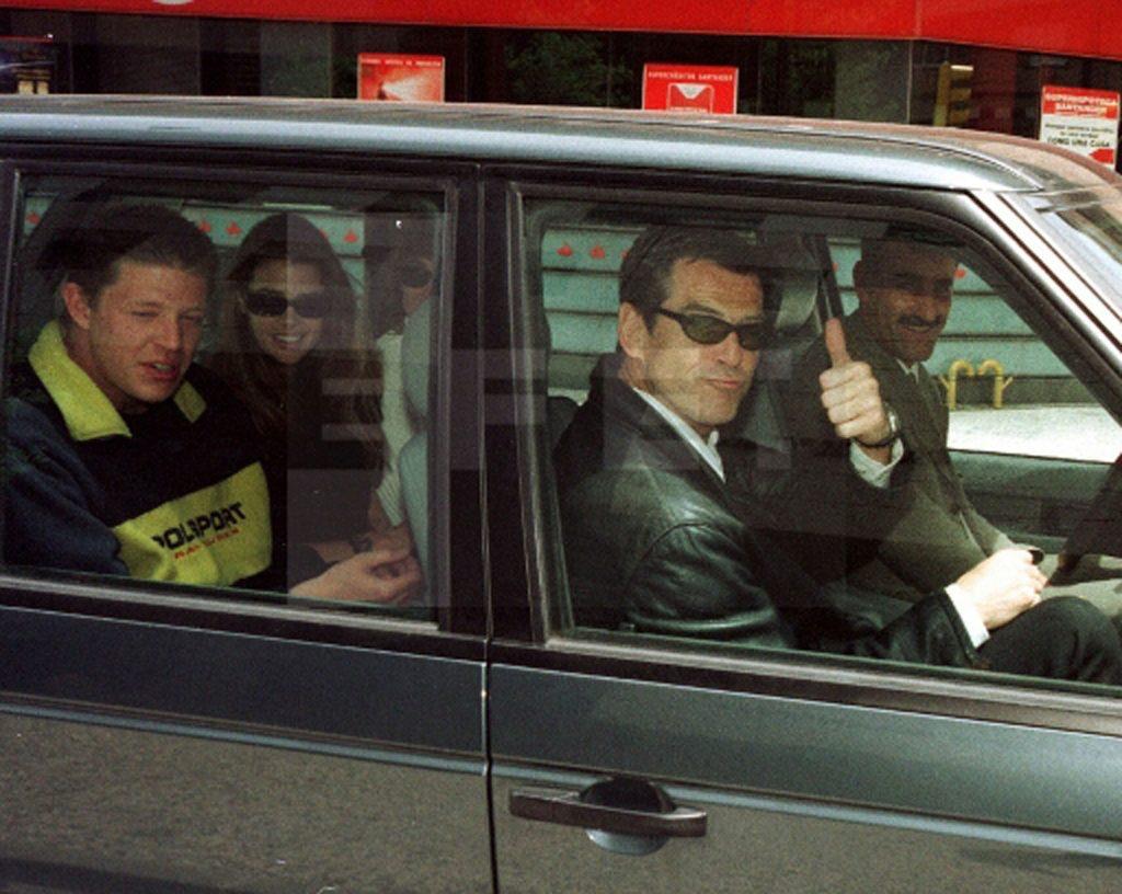 Pierce Brosnan visitó Zaragoza en 1999 con motivo del rodaje de la película El mundo nunca es suficiente