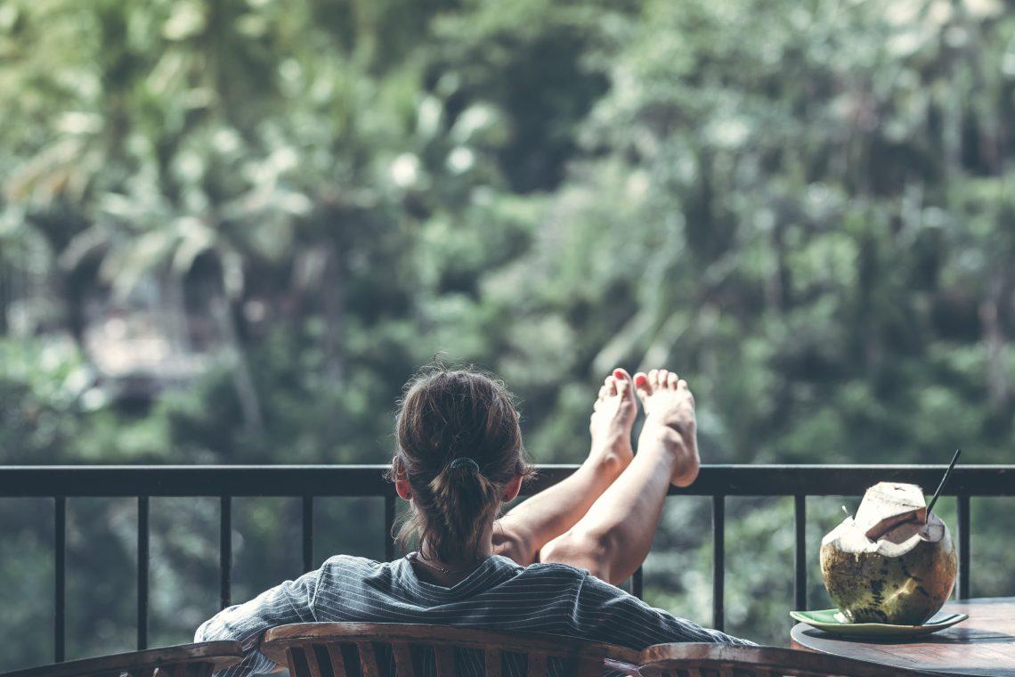 Dale vida a tu terraza en primavera con estos consejos