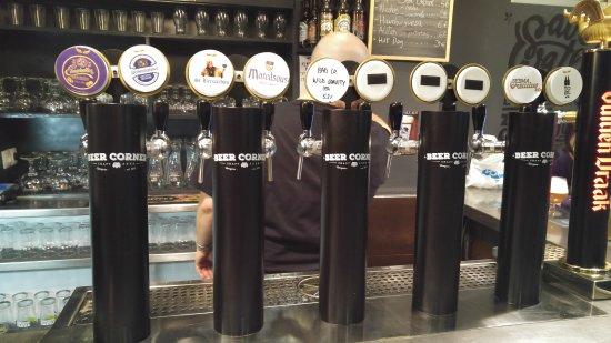 Beer-Corner.-Buena-birra-buena-comida-y-buena-música