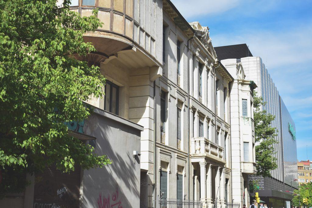 Clínica-del-Doctor-Lozano-uno-de-los-edificios-abandonados-de-Zaragoza-más-vistos