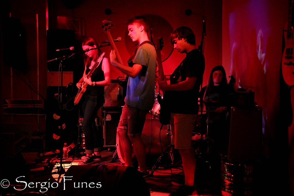 Sala-Creedence-uno-de-los-bares-con-música-en-directo-favoritos-de-los-amantes-del-rock